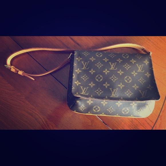 cd1250cb9428 Louis Vuitton Handbags - Vintage Louis Vuitton Musette Tango Short Strap